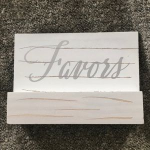 ❤️favors sign
